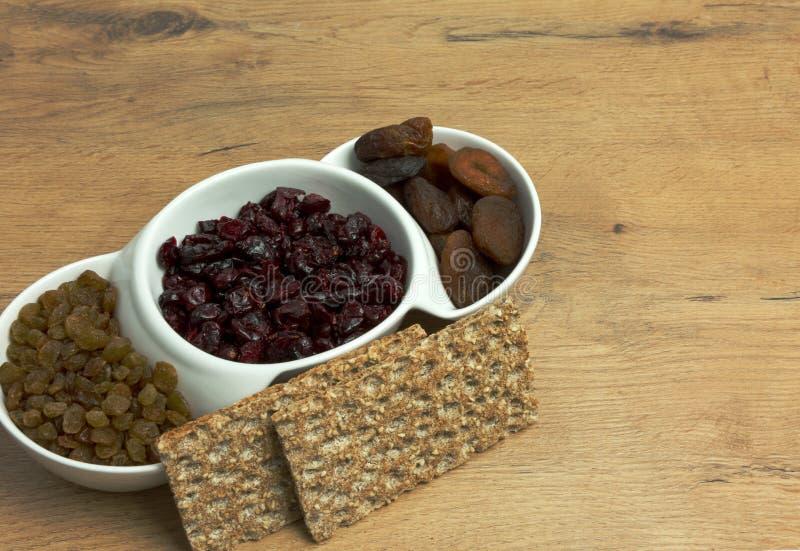 干果和酥脆面包的三种类型 免版税库存图片