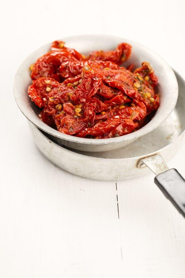 干油橄榄色星期日蕃茄 免版税库存图片