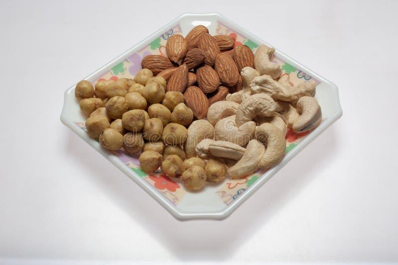 干烤盐味的开心果鸡豆腰果kalyan在孟买马哈拉施特拉印度附近 免版税库存图片