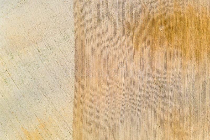 干燥农田在农村背景中 土壤纹理 r 免版税库存图片