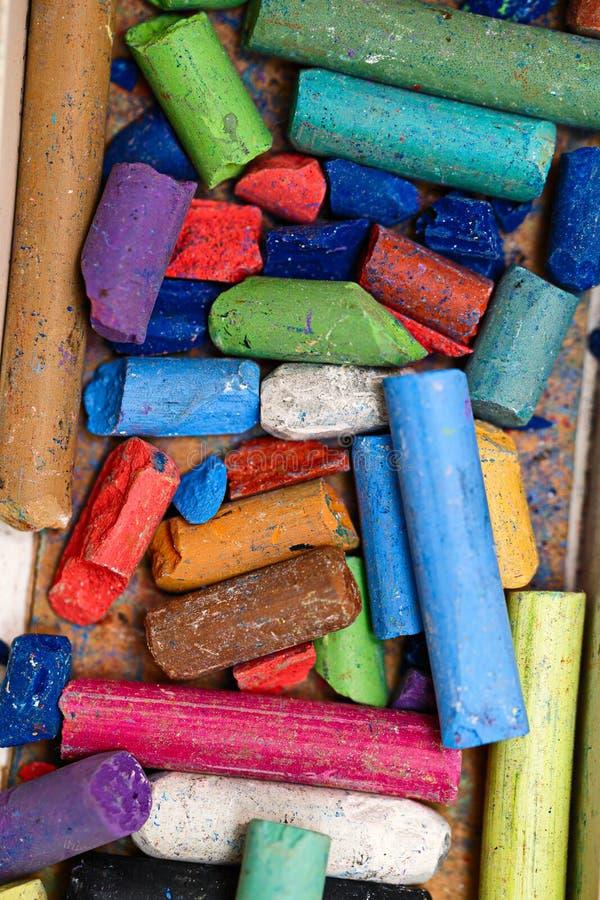 干燥柔和的淡色彩被设置蜡笔 免版税库存图片