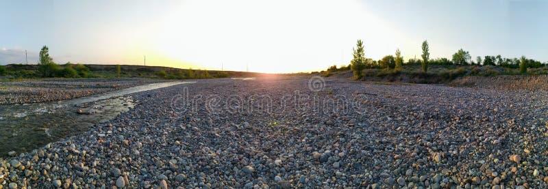 干燥河床在晚上 库存照片