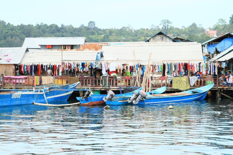 干燥洗衣店在渔夫村庄在曼诺瓦里 免版税库存照片