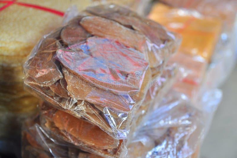 干白薯是待售在一个地方市场上在越南 免版税库存图片