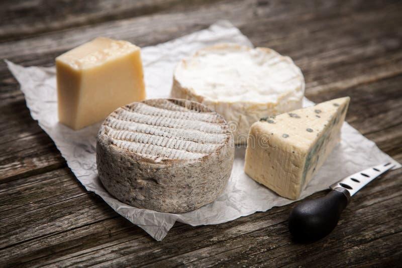 Download 干酪法国软件 库存图片. 图片 包括有 巴马干酪, 模子, 公文包, 乳脂状, 软制乳酪, 法国, 饮食 - 62534763