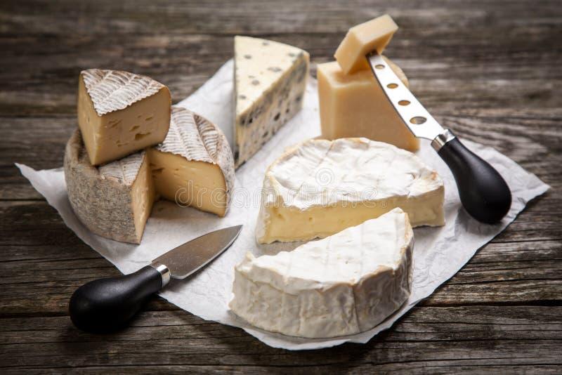 Download 干酪法国软件 库存图片. 图片 包括有 食物, 巴马干酪, 可口, 健康, 模子, 的协助, 制动手, 部分 - 62534817