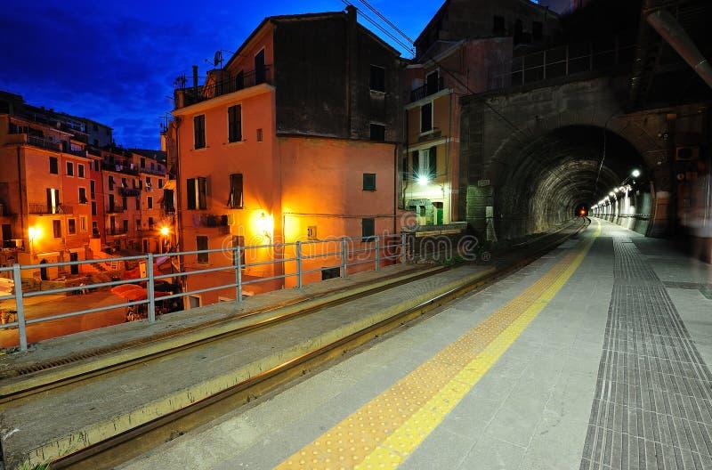 平台在Vernazza村庄 图库摄影