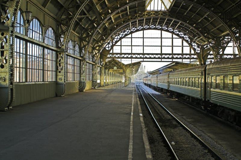 平台火车站 免版税库存照片