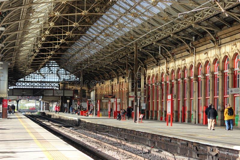 平台2和3普雷斯顿火车站 免版税库存图片