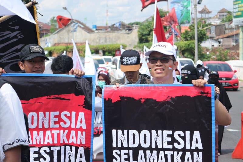 平安的组织在日惹,印度尼西亚保卫巴勒斯坦 库存图片