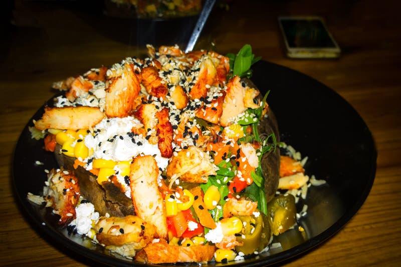 平展土耳其语被充塞的被烘烤的土豆 库存照片
