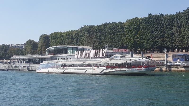 平底船mouche巴黎 库存图片