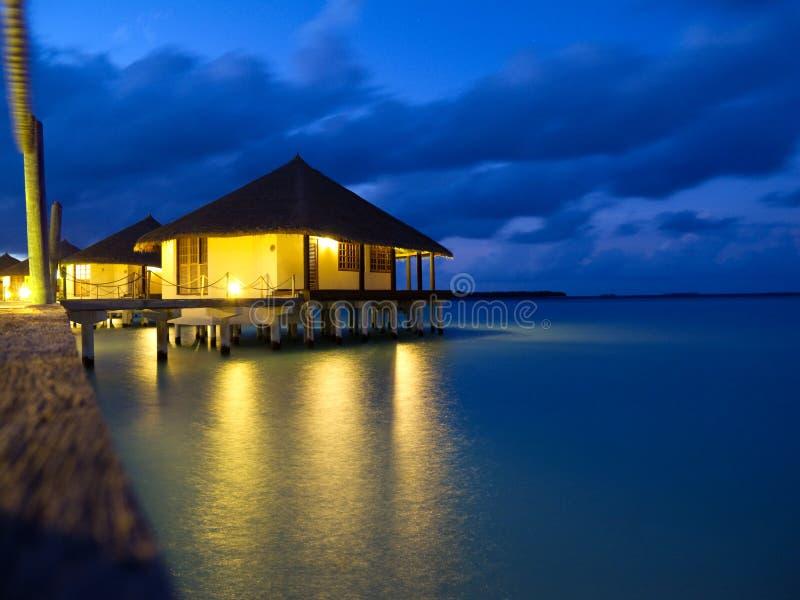 平房热带海岛的overwater 库存图片
