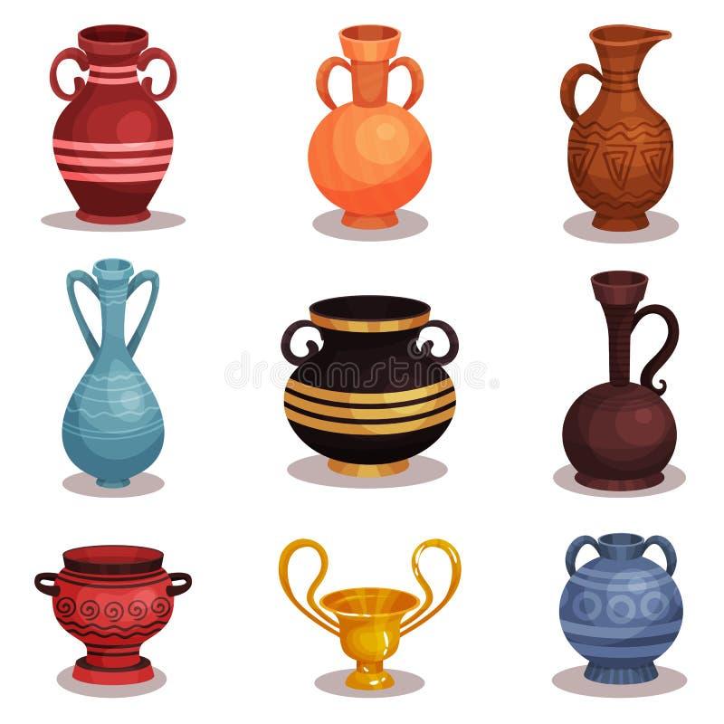 平的传染媒介套各种各样的油罐 古希腊或罗马瓦器酒或油的 有装饰品的老黏土水罐 发光 皇族释放例证
