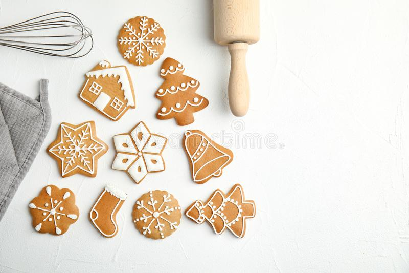 平的位置构成用鲜美自创圣诞节曲奇饼 免版税库存图片