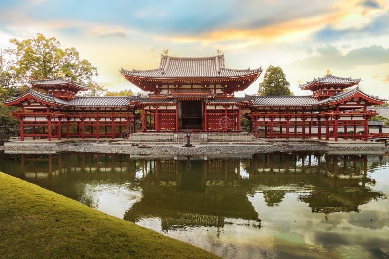 平等院寺庙的菲尼斯大厅在京都 库存照片