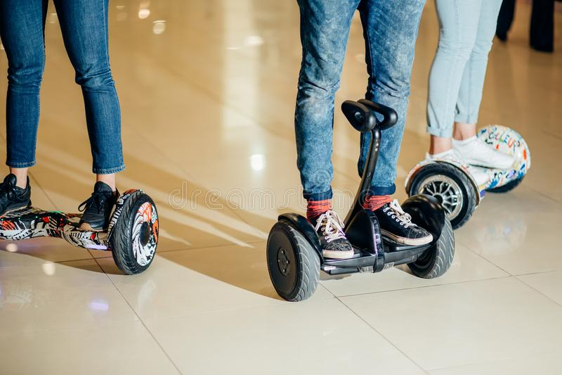 平衡电滑板的双重轮子自已聪明 免版税图库摄影