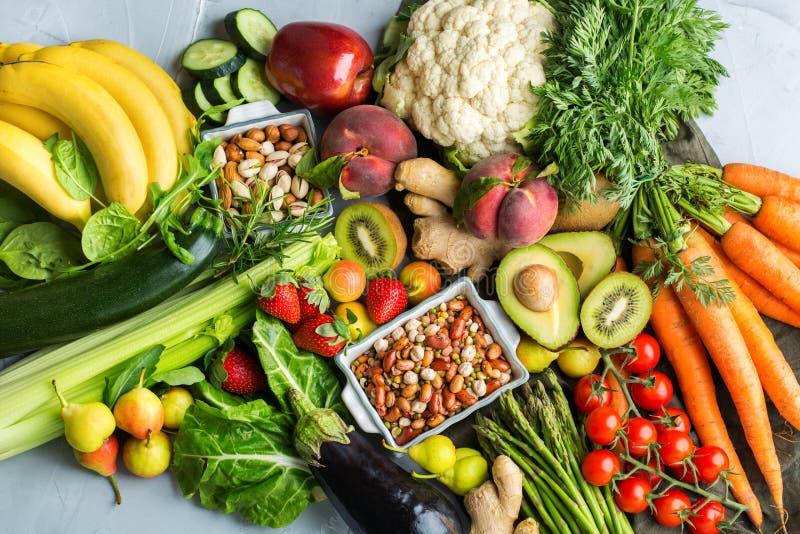 平衡的碱性饮食概念的健康食品 库存照片