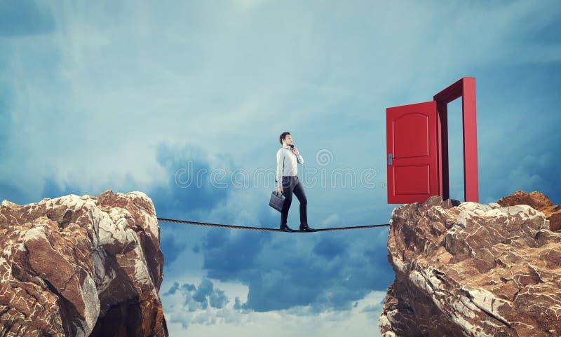 平衡绳尾绳商人 免版税库存图片