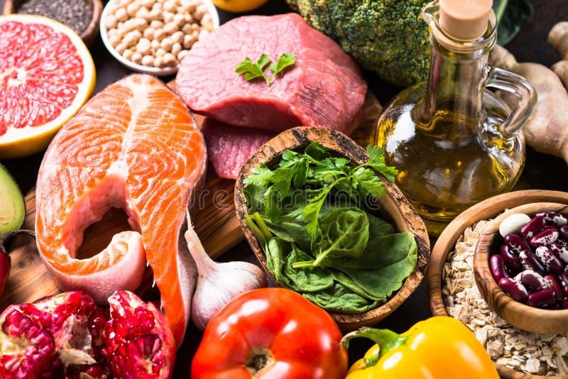 平衡饮食食物背景 免版税库存图片