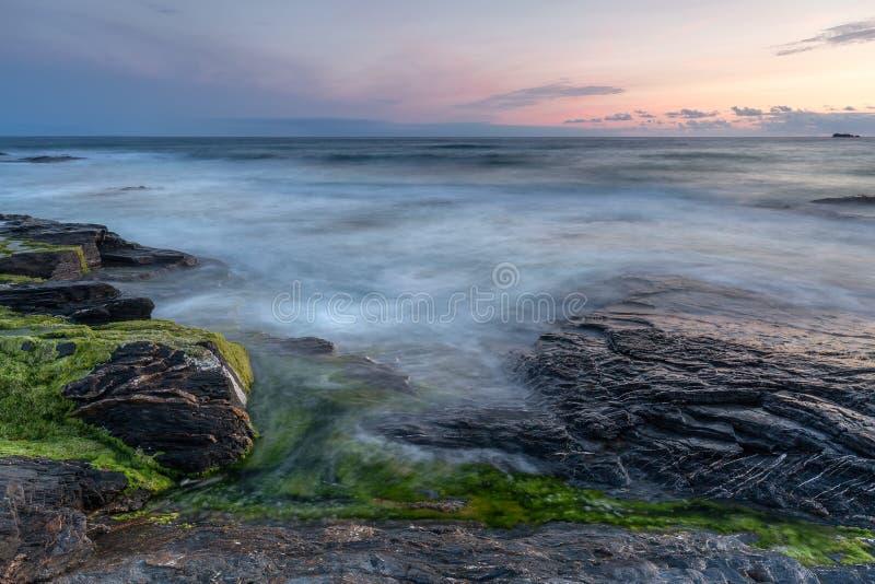 平静的海景,康斯坦丁海湾,康沃尔郡 免版税库存图片