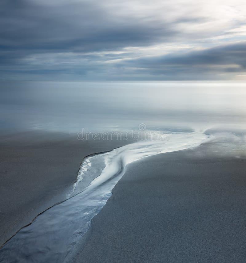 平静的海景, Pentewan沙子,康沃尔郡 库存图片