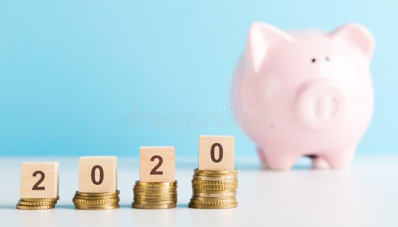 2020年个人储款和收入率成长  库存照片
