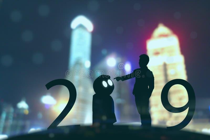 2019年人工智能或ai未来派概念、剪影商人立场和点手命令或控制  免版税库存图片