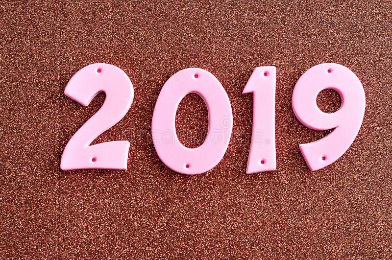 2019年在桃红色数字.