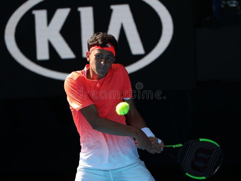 2019年美国的澳网决赛选手埃米利奥纳瓦山口行动的在他的男孩的期间在墨尔本公园选拔决赛 库存照片