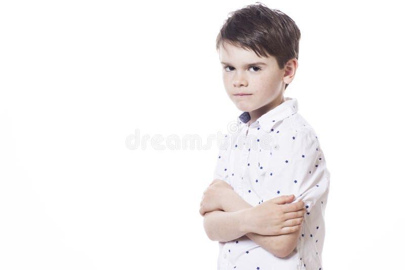 年轻可爱的快乐小男孩 免版税库存图片