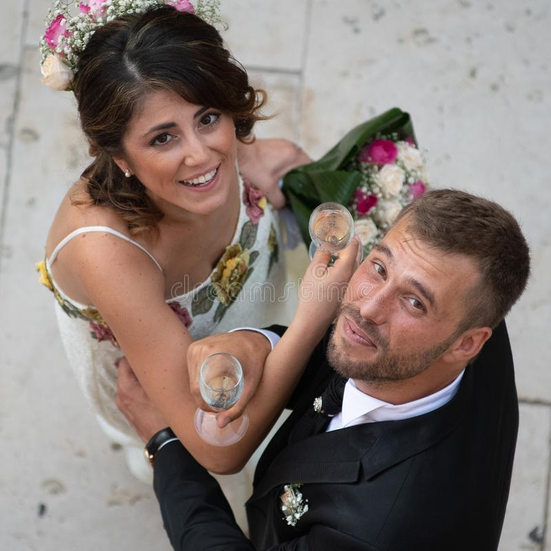 年轻夫妇射击从上面 免版税库存图片