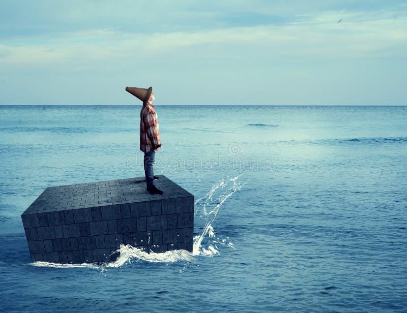 年轻探险家在海洋 免版税库存图片