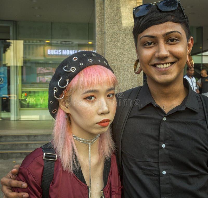 年轻现代夫妇 图库摄影