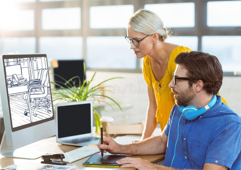 年轻研究在新的办公室设计的计算机的人和妇女(白色和深蓝) 免版税库存图片