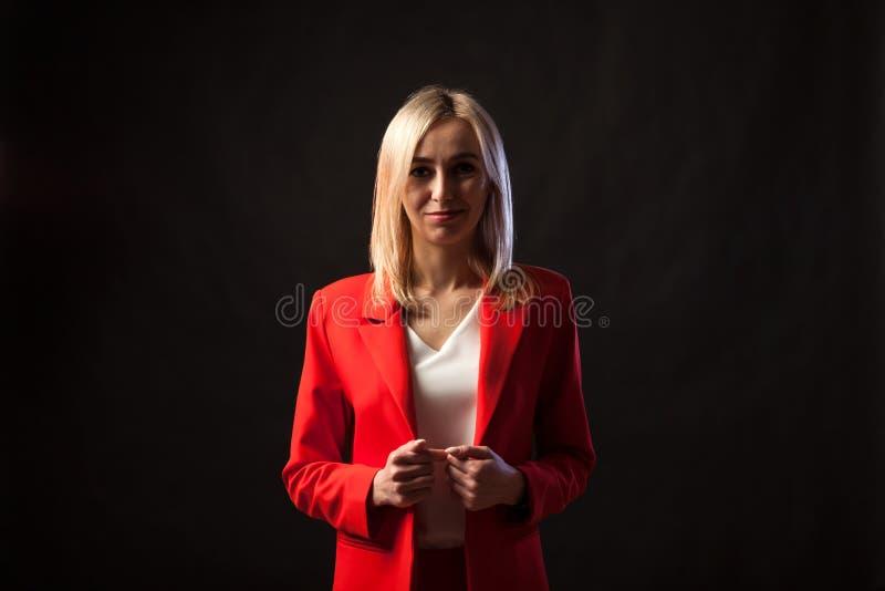 年轻美丽的白白肤金发的女孩 库存照片