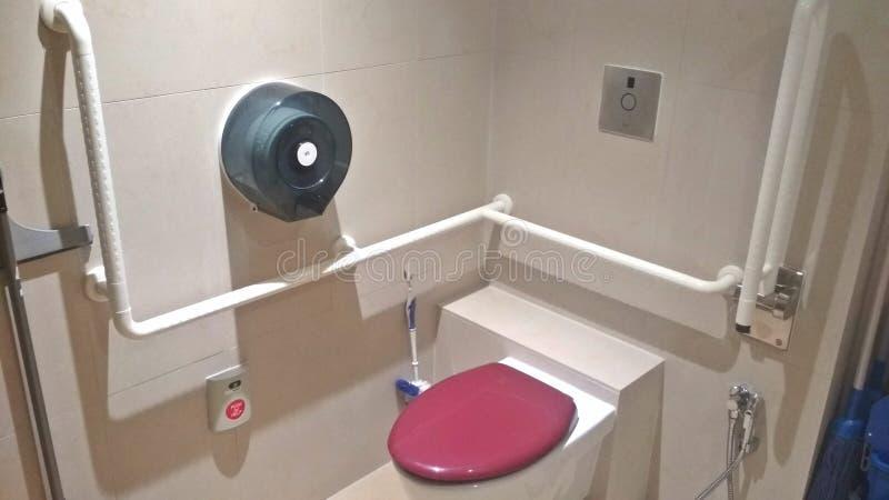 年长友好的卫生间 库存图片