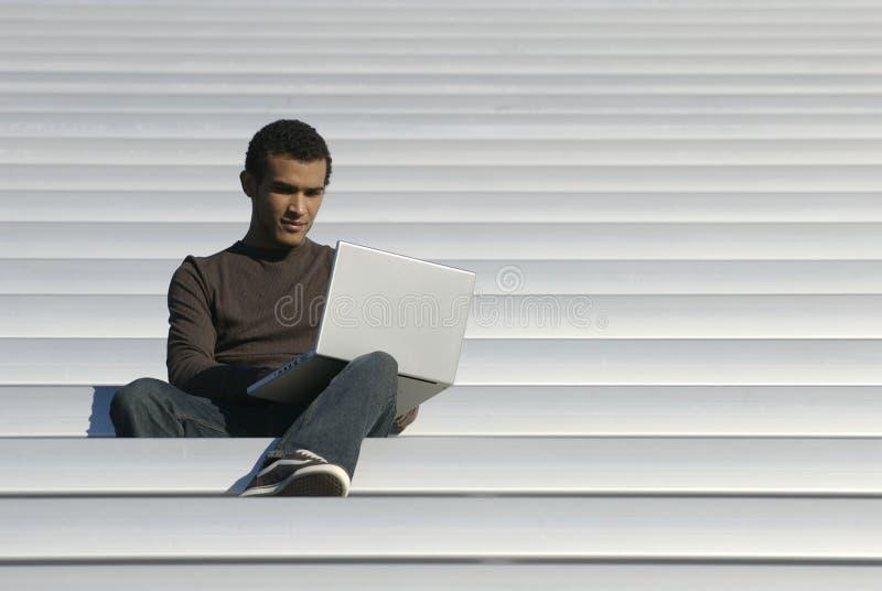 年龄学院膝上型计算机学员研究 免版税库存照片