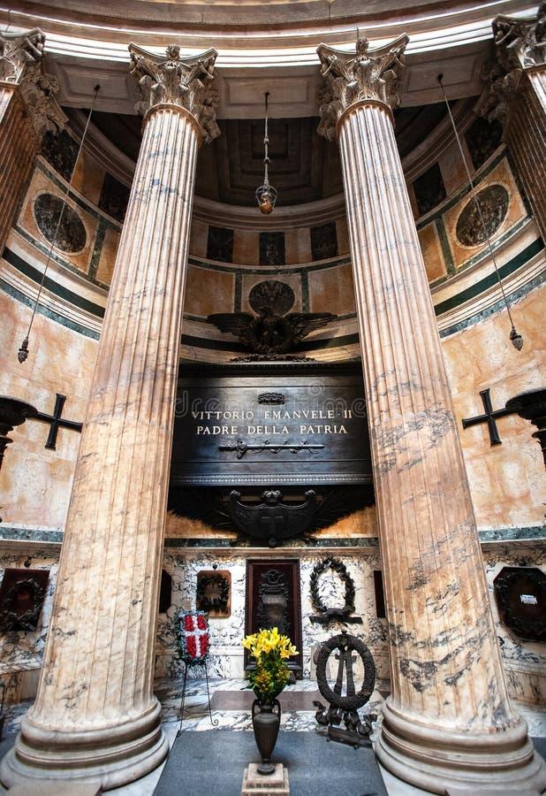 1820-1878年,意大利前国王维克托伊曼纽尔二世墓,位于意大利罗马万神殿内 库存图片