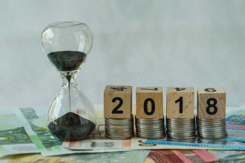 年2018年企业时间读秒或长期投资concep 免版税库存图片