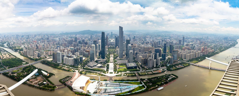 2017年7月–广州中心商务区广州,中国–全景和珠江 免版税图库摄影