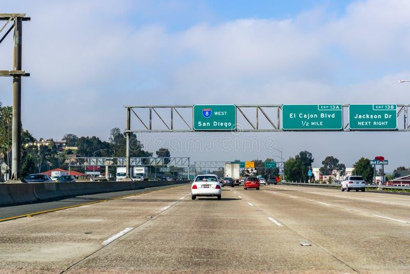2019年3月19日埃尔卡洪/加州/美国-驾驶往圣迭戈在一好日子 免版税库存图片