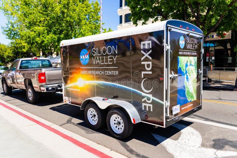 2019年7月16日山景城/加州/美国-美国航空航天局硅谷艾姆斯研究中心在市中心附近停放的促进车 库存照片