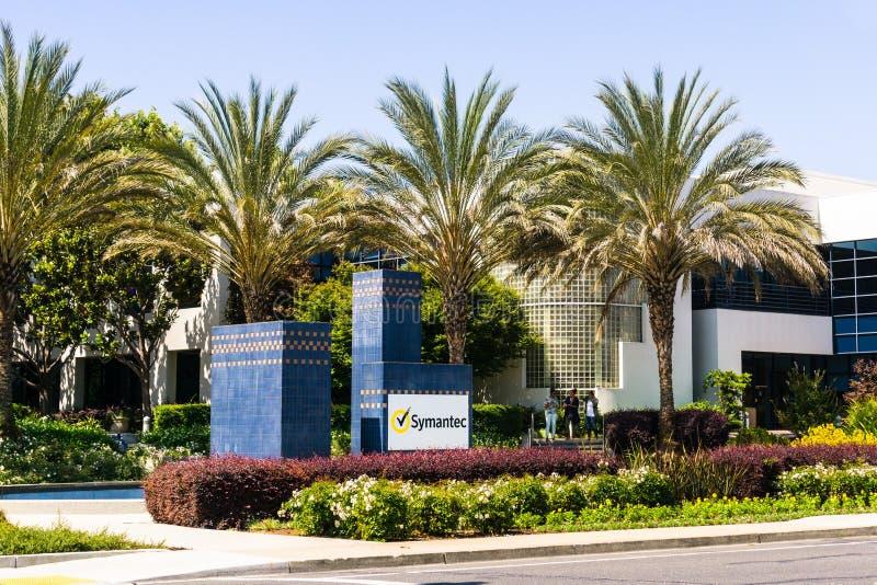2018年8月6日山景城/加州/美国- Symantec Corporation总部在硅谷,南圣外视图  免版税库存图片