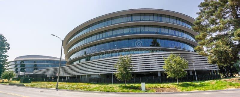 2018年8月9日森尼韦尔/加州/美国-现代办公楼在位于硅谷3 AC3里的新的苹果计算机校园,南圣 免版税库存照片