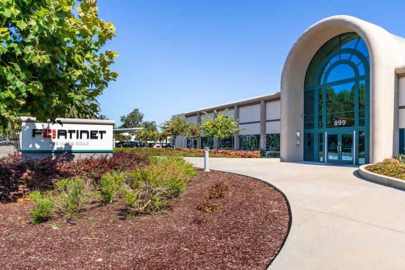 2019年7月31日森尼韦尔/加州/美国- Fortinet总部在硅谷;Fortinet,公司 是开发的美国公司 库存照片