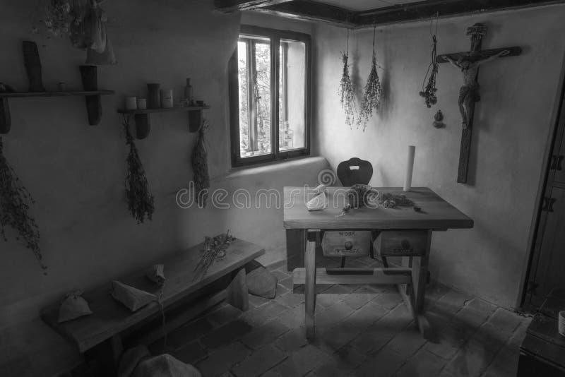 2010年9月14日,捷克共和国布拉格:Zlatá Ulička过道的女牧人房 库存照片