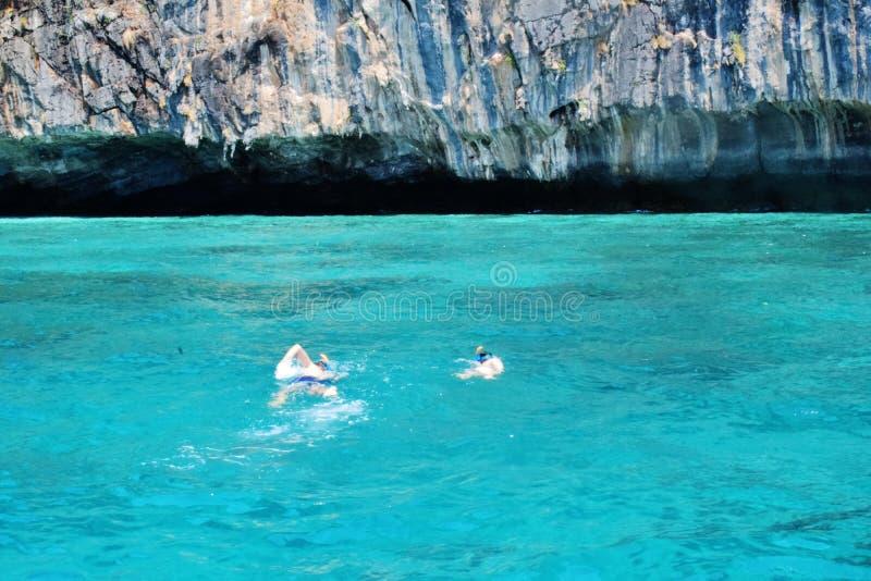 2019年3月19日,普吉岛-塔伊布,游泳在海,酸值Le,清楚的大海,自然美人 免版税库存照片