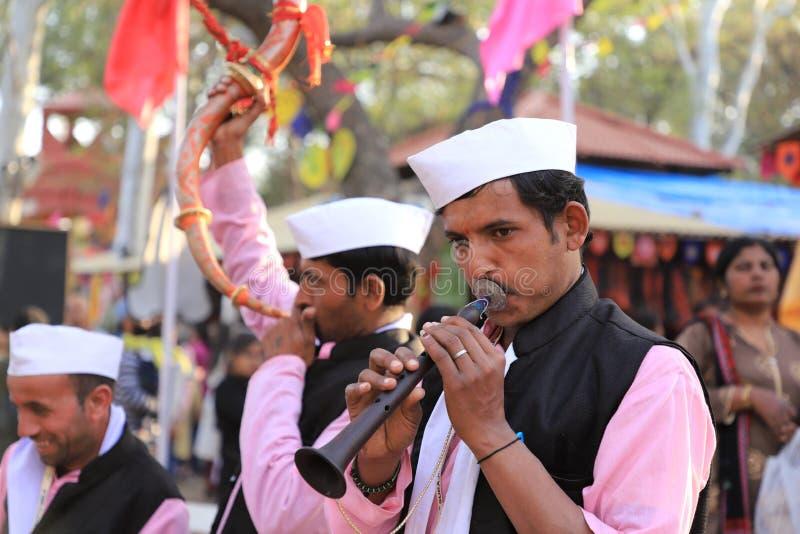 2020年2月14日 — 印度哈里亚纳邦苏拉昆德,法里达巴德 — 第34届苏拉昆德国际工艺品大赛印度音乐家梅拉 免版税库存照片