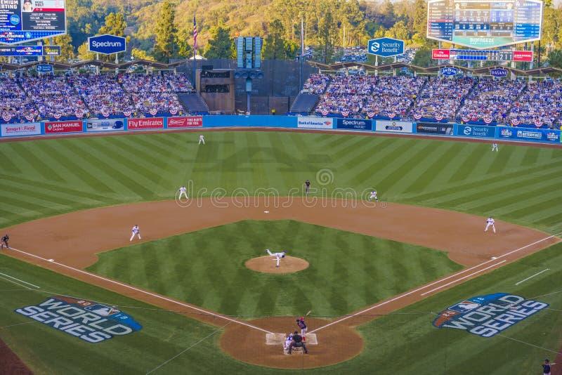 2018年10月26日-洛杉矶,加利福尼亚,美国-道奇体育场:LA Dodger击败波士顿红袜3-2在比赛3,加时赛 库存图片
